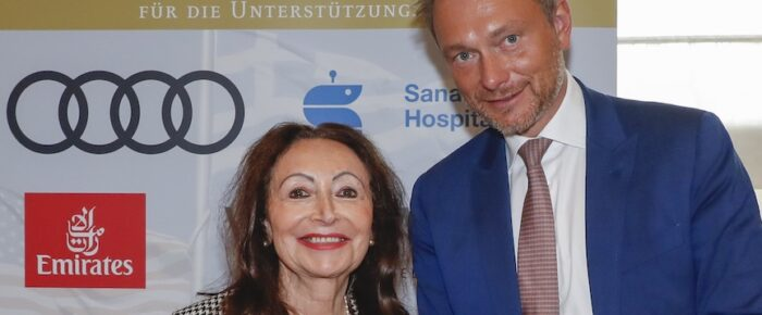 Christian Lindner speaks to the world in Berlin